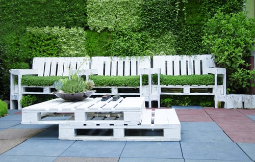 garden furniture using pallets